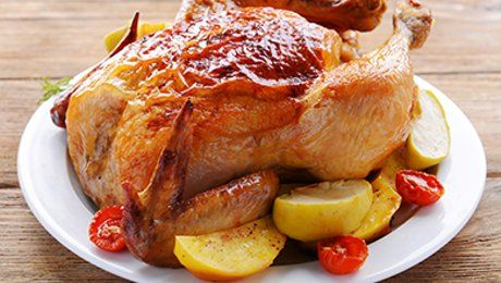Как вкусно запечь курицу в духовке: 3 оригинальных рецепта