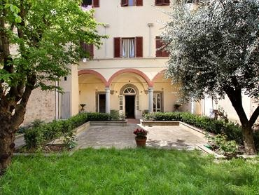 I love it! The Giardino Toscano apartment, in Florence