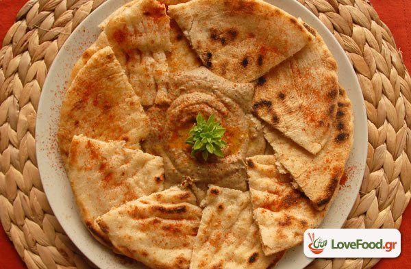 Μπαμπά γκανούς, αραβική μελιτζανοσαλάτα με ταχίνι συνταγή από το loveFood. Δείτε…