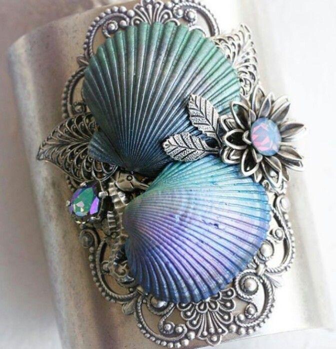 Shells shell craft pinterest hair clips hair and shells for Seashells for hair