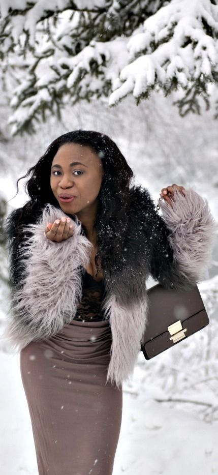 Winter in Alaska! Wearing a faux fur coat. Winter fashion | Fashion blogger | Winter style | Winter outfit | Fairbanks | Alaska | Fall looks | Snow | Alaska