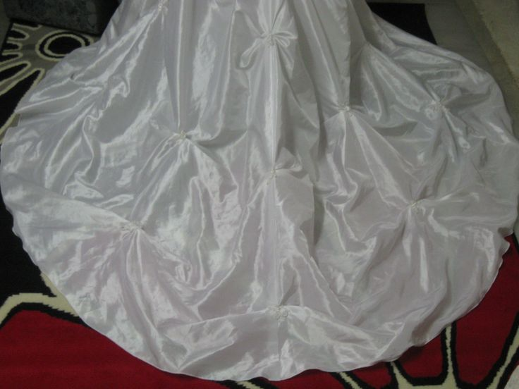 How is this for the back of a wedding dress?!