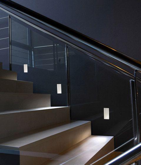 A SECRET gipsz testű lámpákat még a festés előtt kell beépíteni. A lámpák lényege, hogy a környezetükkel egybe olvadva, diszkréten világítják meg a folyosókat, lépcsőházakat, lépcsősorokat.