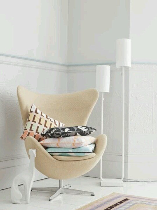 like the cushions and the shape of the chair