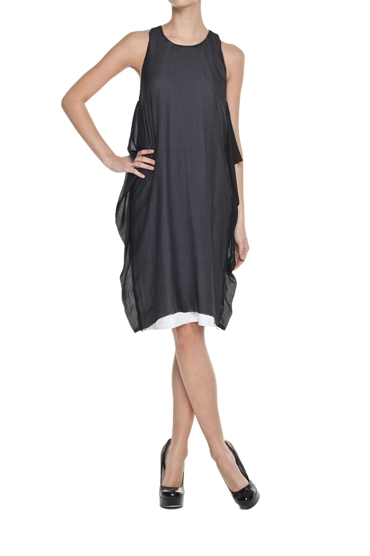 Sukienka sportowa czarno- biała | Ubrania \ Sukienki \ Mini Ubrania \ Sukienki \ Midi Ubrania \ Sukienki \ Wieczorowe Ubrania \ Sukienki \ Koktajlowe PROJEKTANCI \ Łukasz Jemioł Ubrania \ Spódnice \ Mini Ubrania \ Spódnice \ Midi Ubrania \ Wszystkie ubrania Sukienki Spódnice Wszystkie ubrania | MOSTRAMI.PL