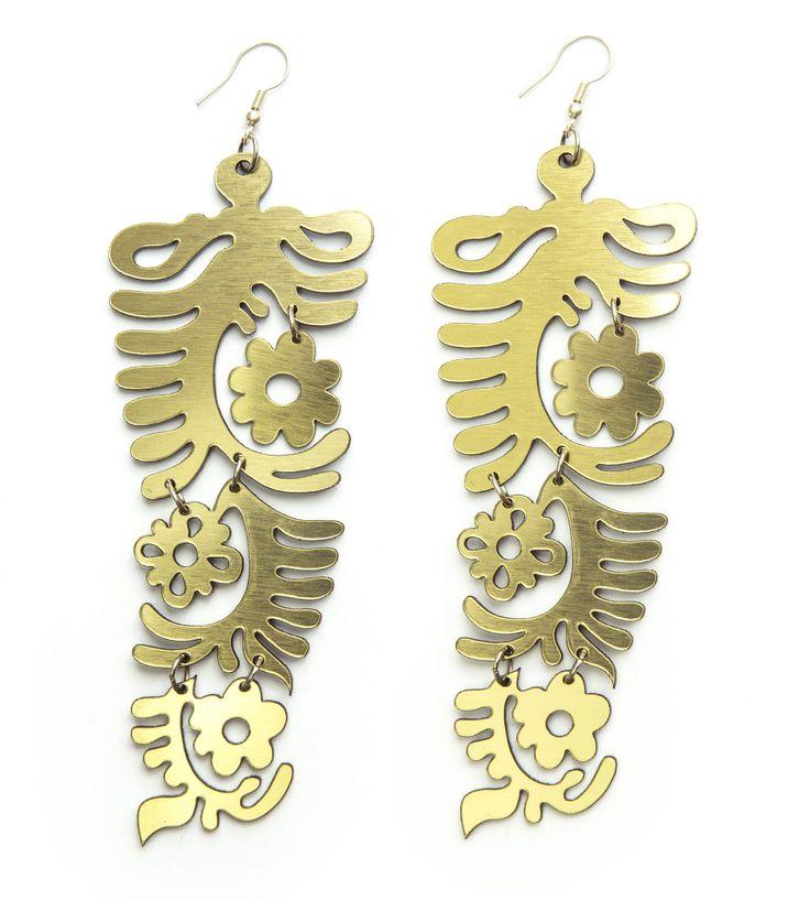 Arany színű kürtös kalácsmintás fülönfüggő