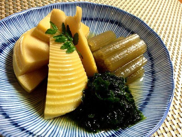 旬の煮物二種とあおさ。 ネェチャン蕗に挑戦するも惨敗。 まだ早かったな(笑) ママンは雲海が進みました(笑) - 239件のもぐもぐ - 筍、愛知のふきと浜名湖のあおさ Boiled bamboo shoot, Japanese butterbur and sea lettuce by makooo