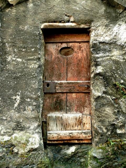 Les 25 meilleures id es concernant veilles fen tres sur for Restaurer une vieille porte en bois