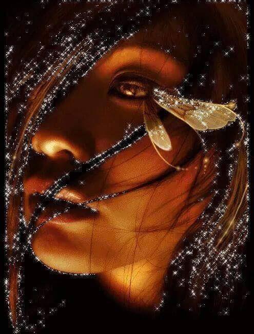 Portami dove  Il buio non mi possa Rubare Agli occhi  Le più belle immagini Di questa vita Parlami di  Tutto ciò che è  Bellezza per non Farmi vedere gli orrori  Di questa vita Colorami il mondo Come fosse più di un Arcobaleno Per farmi vedere che  Non tutto ciò che  Ci circonda è nero Regalami qualcosa Di te Per non Farmi credere Che qui . . Ora sono SOLA. Infantile preghiera Di chi ha un solo sogno Quello di non volersi privare Delle cose belle Che questa vita ci  Vuole regalare…