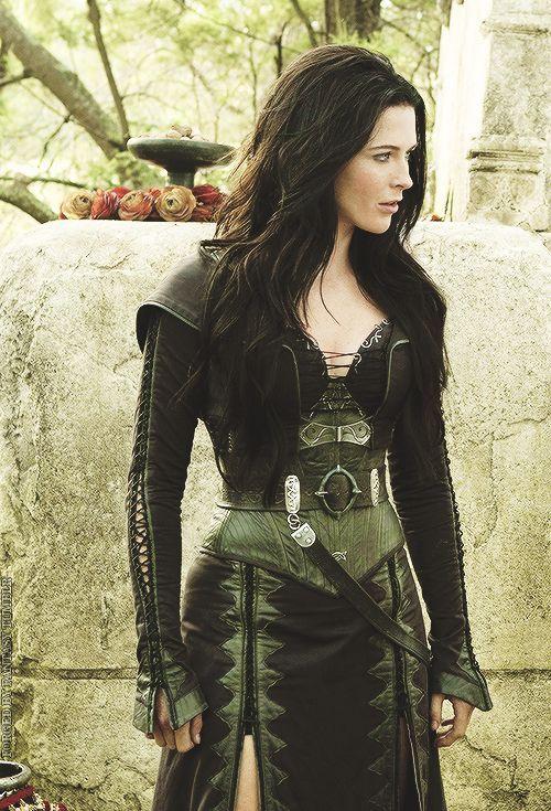 Bridget Regan as Kahlan Amnell - Legend of the Seeker Stills