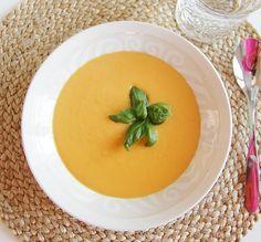 at home: Lempeä bataatti-porkkanasosekeitto