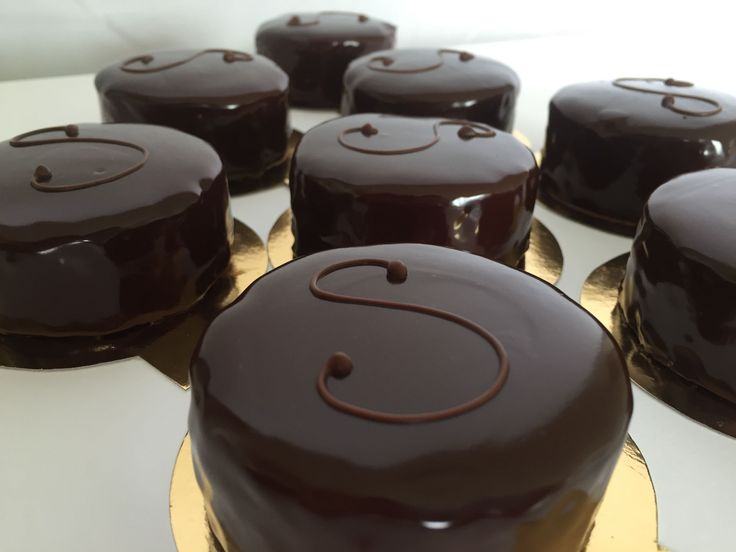 Simple step-by-step demonstration of how to make mini Sacher Tortes. Subscribe for more simplified french patisserie recipes & techniques. CHOCOLATE GANACHE ...