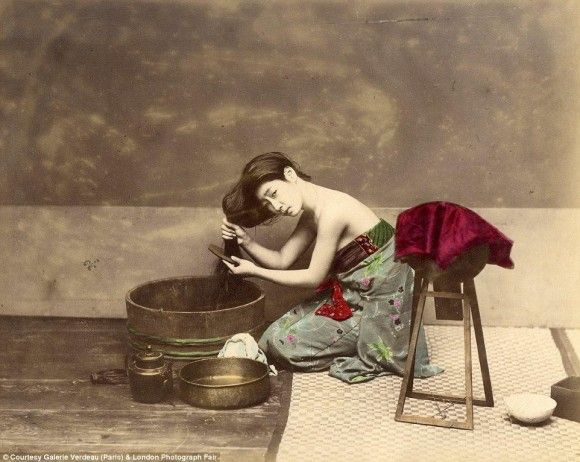 1863年から1877年の間に写真家のフェリーチェ・ベアトによって撮影されたものである
