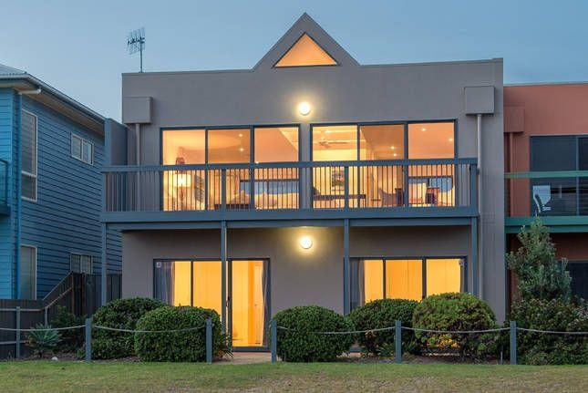 Wind Surf Middleton SA, a Middleton House | Stayz $326pn 8pl beachfront