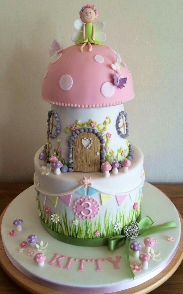Toadstool cake pinteres for Fairy cakes