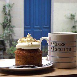 A tester dans le 11eme Broken Biscuits - Paris, France. l'exceptionnel carrot cake de Christine