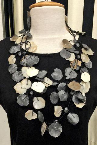 Poppy Necklace Neutral