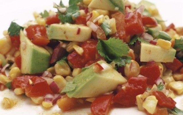 Σαλάτα με αβοκάντο και πλιγούρι