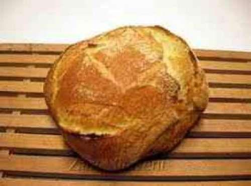 Ζυμωτό ψωμί από παραδοσιακή συνταγή