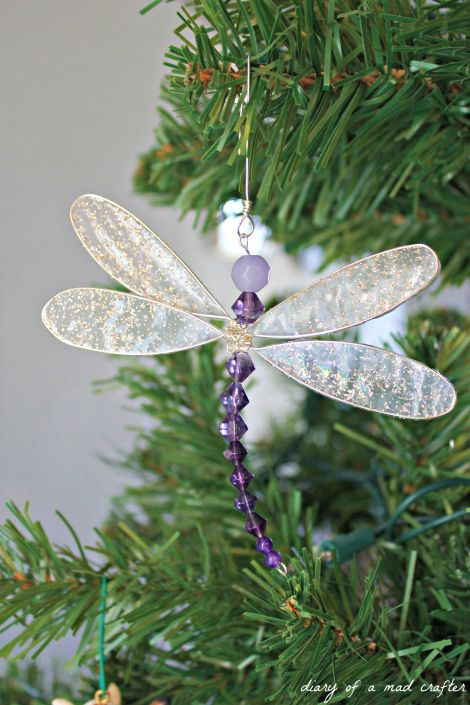 DIY - Dragonfly Charm - I like the fact that the wings look like actually like wings (with a little sparkle obviously).