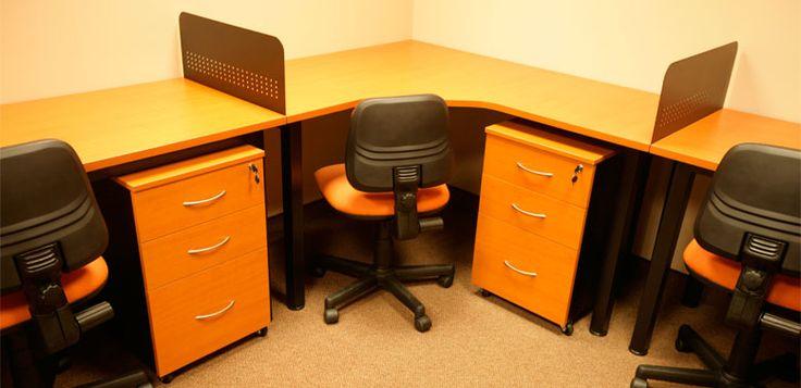 A medida -- Características: Diseñar y fabricar nuestros muebles nos da la flexibilidad de poder amoblar su oficina de acuerdo a su espacio disponible. Infórmate más sobre este mueble dándole clic a la imagen.