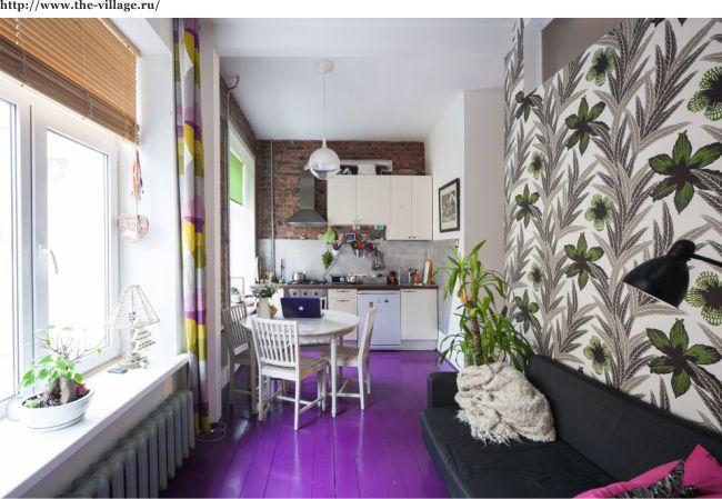 Маленькая и яркая кухня-гостиная