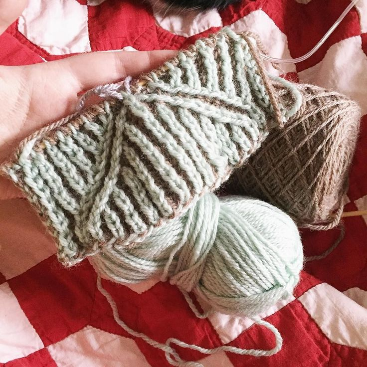 28th of May (that's next Sunday) I'm holding a little Brioche workshop where we will play and learn and make mistakes and it will be fun! Pop along from 1-4pm during our normal Sunday Knit Knights-bring some yarn and a pattern if you want but we'll have stuff you can use here. :) // #alterknituniverse #westyorkshirespinners #auyarns //From our shop account: @AUshopUK follow us on instagram/twitter for more fun peeks into our shop near Bristol UK. http://ift.tt/1SPuuxi We're the wool shop in…