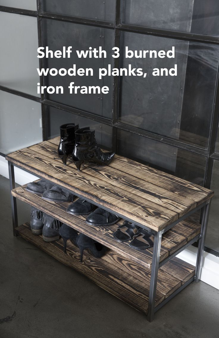Wooden shelf. Shoe rack. Sko hylde i træ,