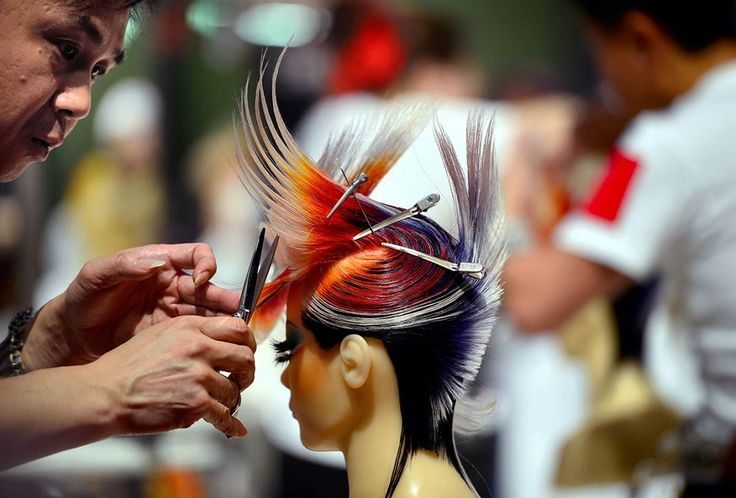 Парикмахерский Кубок Мира OMC Hairworld 2014 во Франкфурте-на-Майне, Германия. (© Thomas Lohnes / Getty Images)