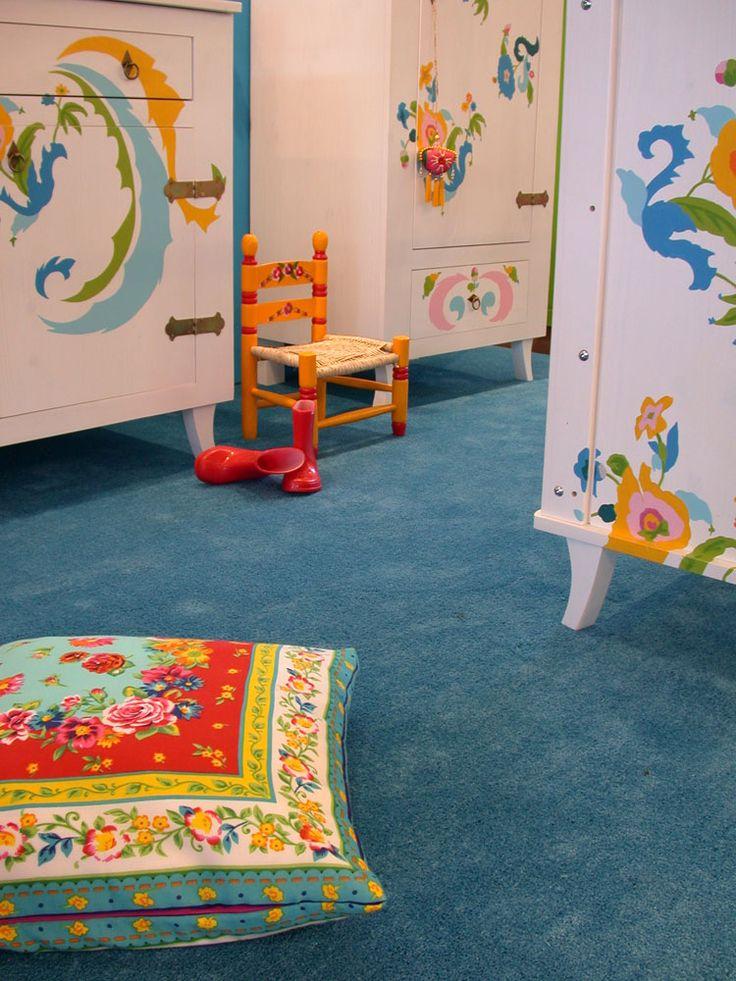 Baby's vinden het heerlijk om in hun kamer rond te kruipen. Hoe fijn is het als ze dit op een zachte ondergrond kunnen doen! #Edel Group