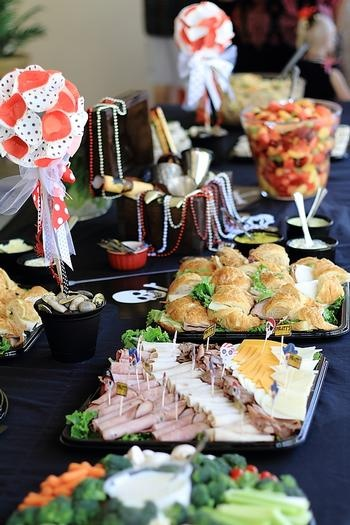 Mesa de comida para Festa Tema Pirata