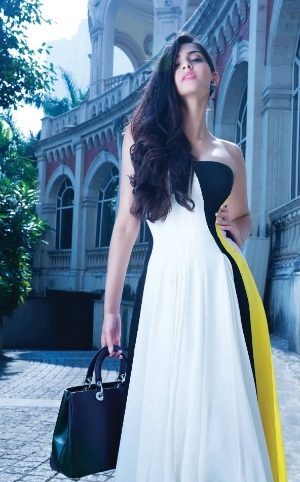 Sonam-Kapoor-photoshoot-from-Hi-Blitz-Magazine-December-2013-12.jpg (592×950)