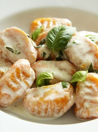 Gnocchis aux carottes sauce parmesan = gnocchi with parmesan sauce carrots