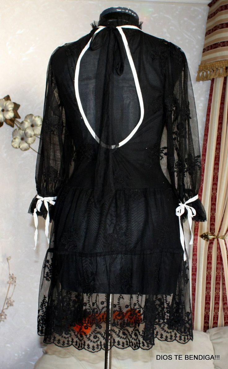 camisolin. tunica transparente. en la edad media gotica, la bastia se acorta hasta la cintura y recibe el nombre de camisolin