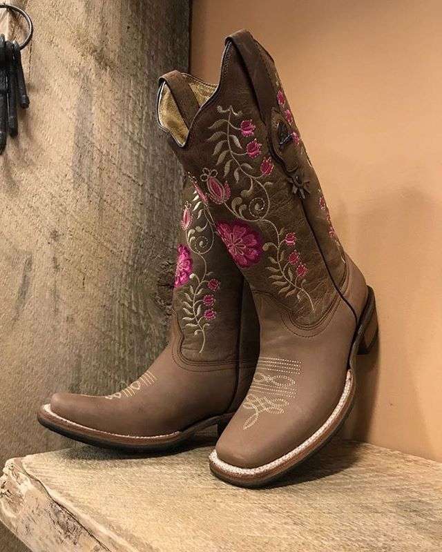 Buy Cowgirl Boots Online