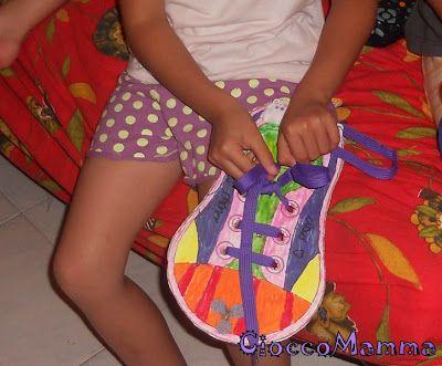 Impariamo ad allacciare le scarpe