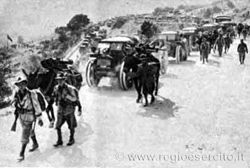 Regio Esercito - Campagna di Grecia - Alpini in marcis