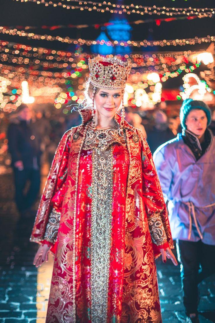 Русский костюм Красная Москва от Валентины Аверьяновой.