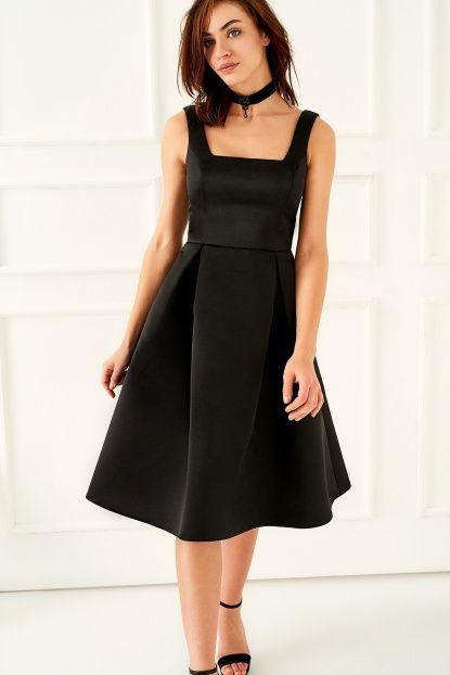 Siyah Kare Yaka Saten Elbise