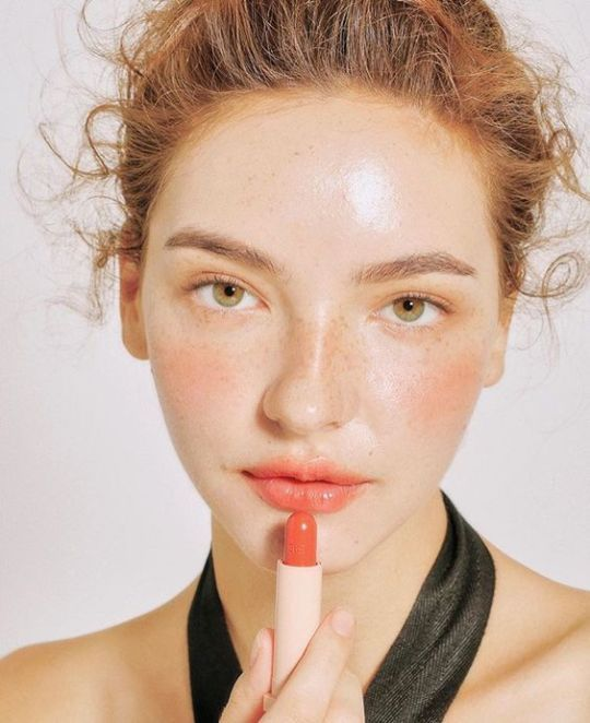 How To Rock Orange Lips This Summer