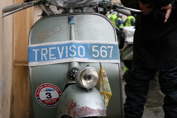 1000 KM VESPISTICA - #Vespa #scooter #Club #travel #passion: 4 stages, 6 Italian regions, 1000 km in 48 hours/4 tappe, 6 regioni italiane, 1000 km in 48 ore.  Follow Vespa on #Facebook!/Segui Vespa su Facebook! www.facebook.com/vespa
