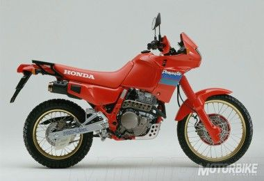 Honda-NX-650-Dominator-1989-03