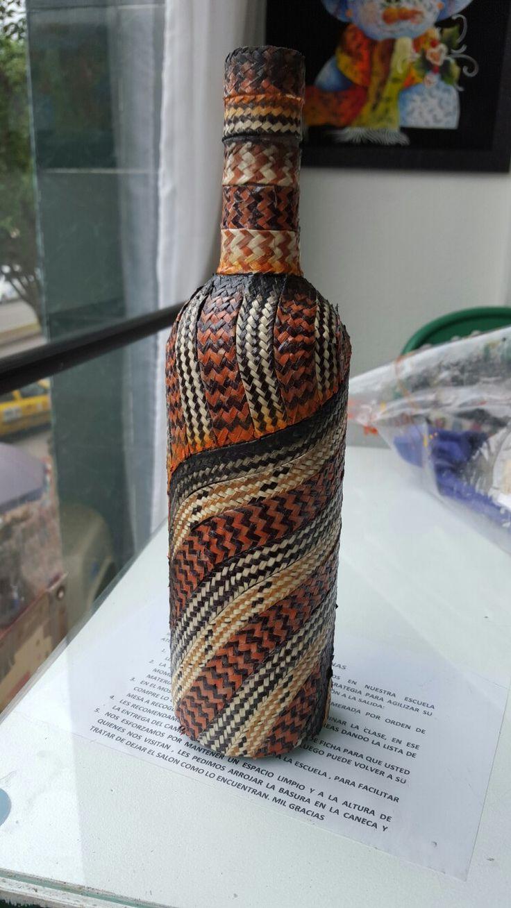 Botella decorada con CAÑA FLECHA