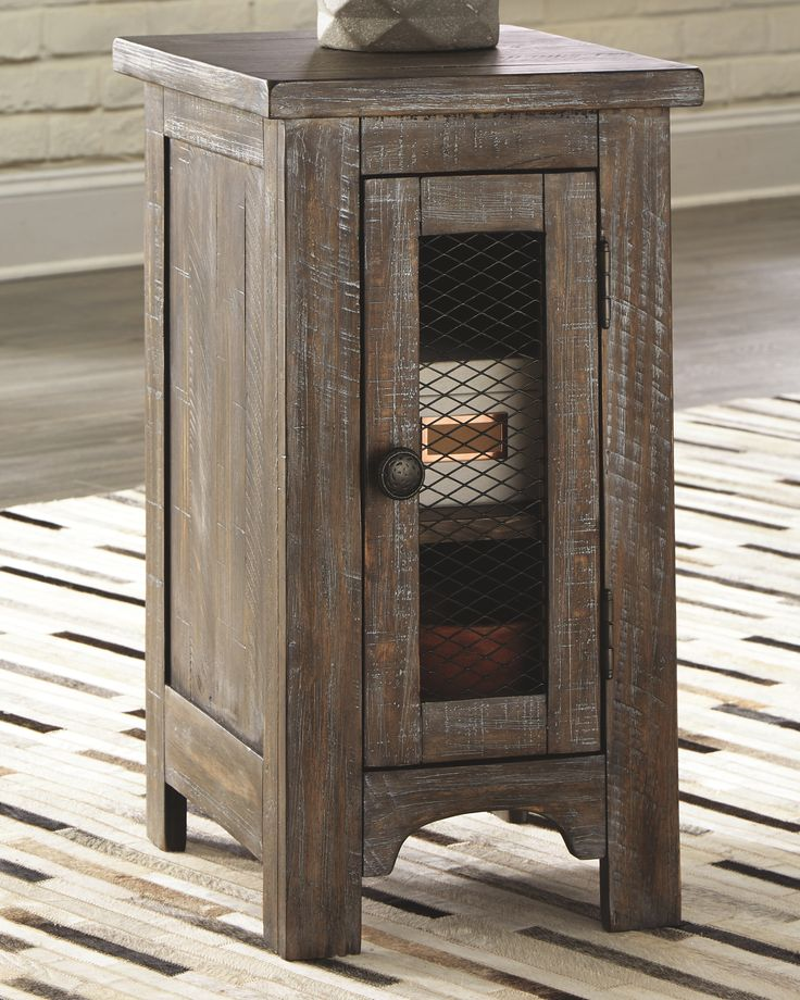 Best Danell Ridge Chairside End Table Brown In 2020 Rustic 400 x 300