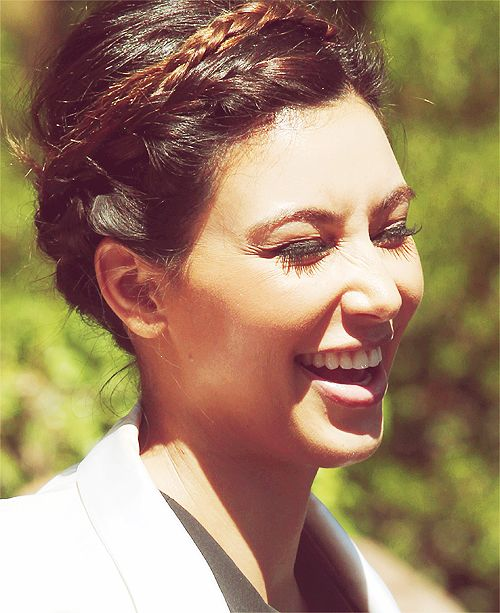 #celebritysmile #kimkardashian http://www.kardashianjennerupdates.com/