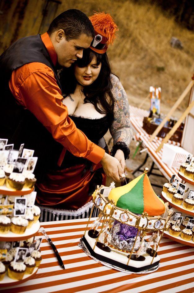 Bride and Groom Cut CakeCut Cake, Wedding Cakes, Best Wedding Cake, Theme Weddings
