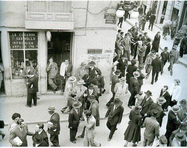 Bogota Antigua _Calle 14 con carrera 7ª en Bogotá años 1940.