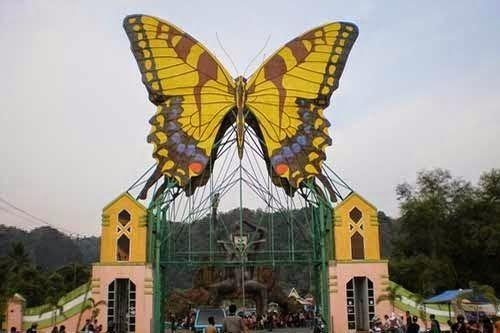 Makassar Guide: Taman Nasional Bantimurung Bersiap Menjadi Penangkaran Kupu-kupu Terbesar di Indonesia