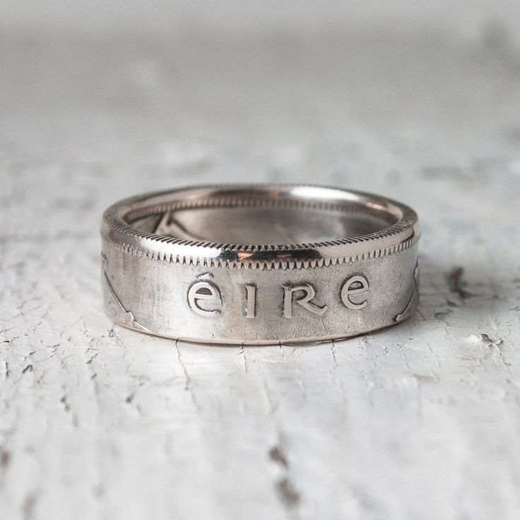 Кольцо из оригинальной серебряной монеты Ирландии шиллинг, флорин, или 1/2 кроны в зависимости от размера кольца. Ручная работа от русского дизайнера. Доставка по России и СНГ.