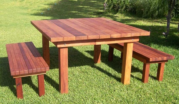 Nice redwood table & benches